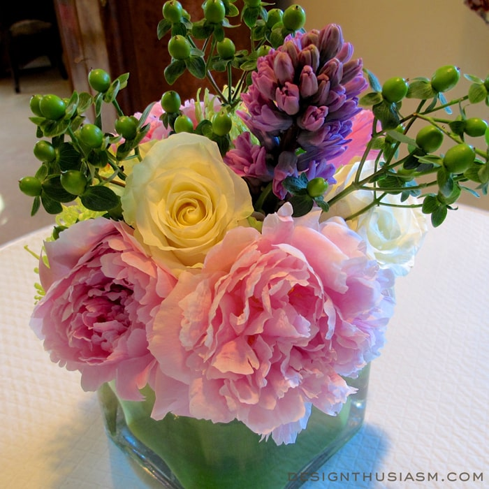 Small arrangement of peonies, rose and hyacinth