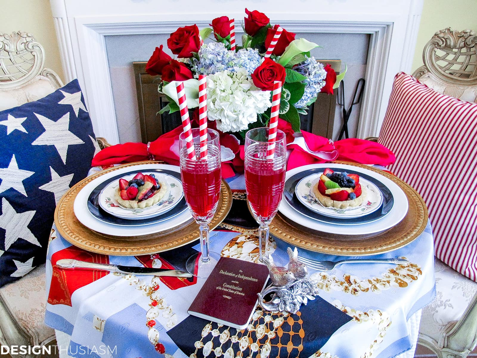 Patriotic Decorations | Elegant Fourth of July Table Decor Ideas - designthusiasm.com
