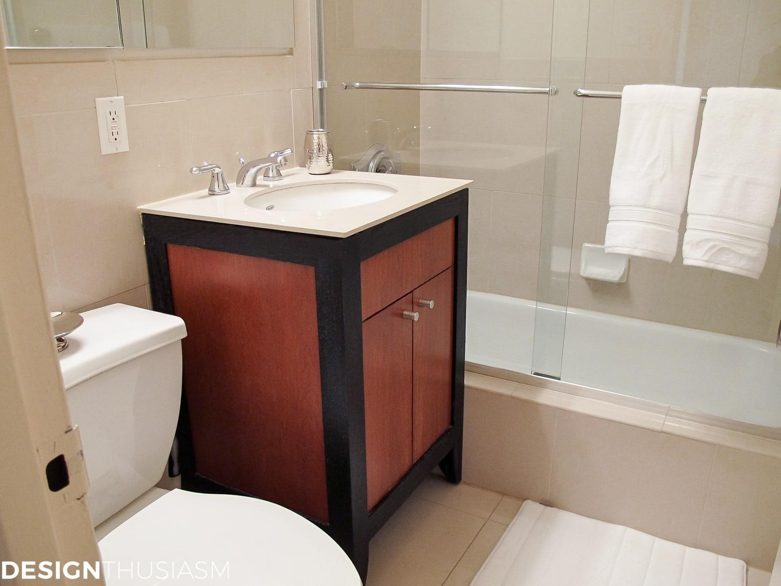 Bachelor Pad Decor Part 3: Classic Mens Bedroom Ideas