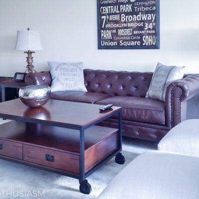 The Bachelor Pad: Apartment Living Room Ideas | Designthusiasm.com