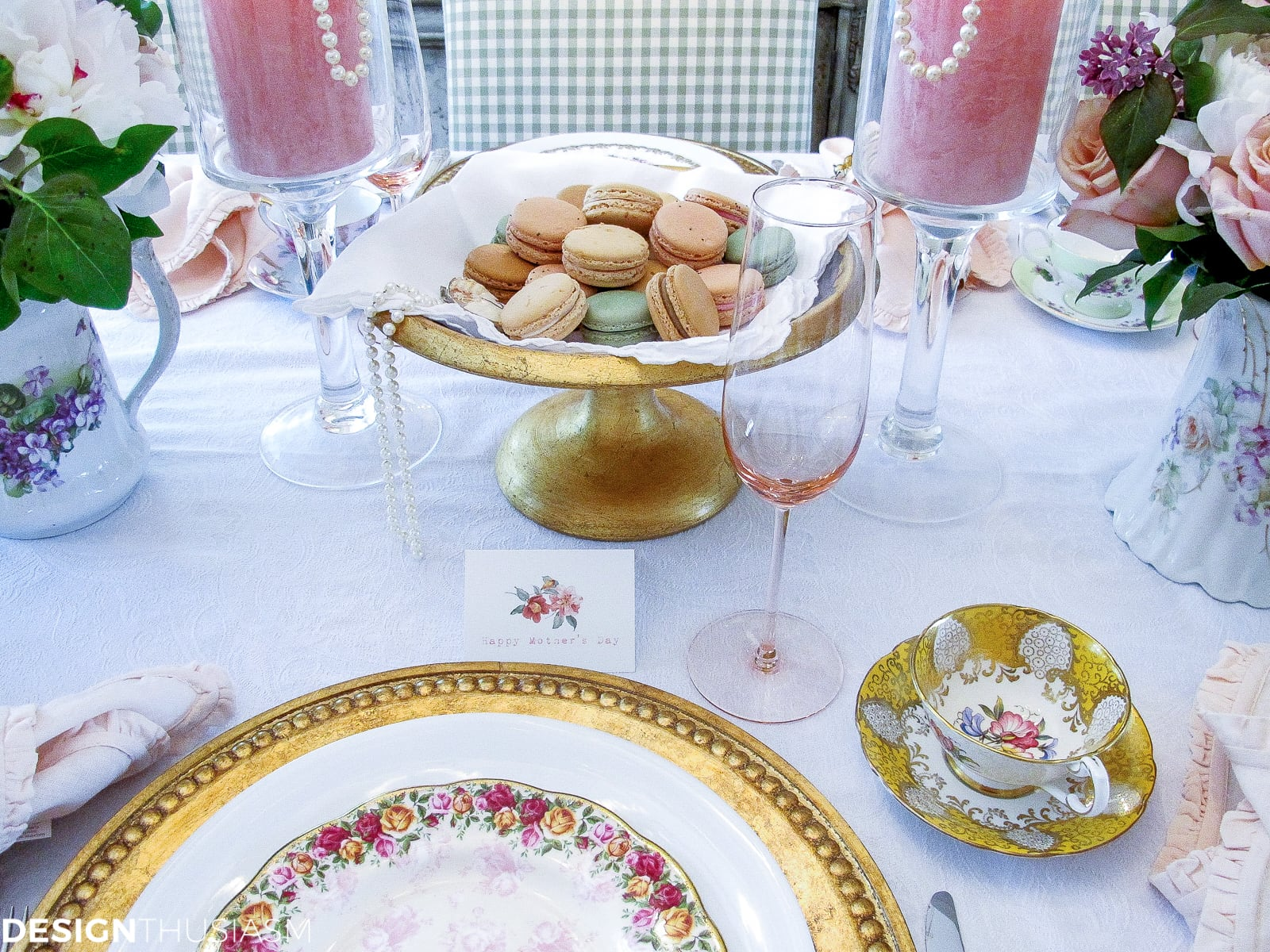 vintage party ideas: mixing antique china in a tablescape - designthusiasm.com