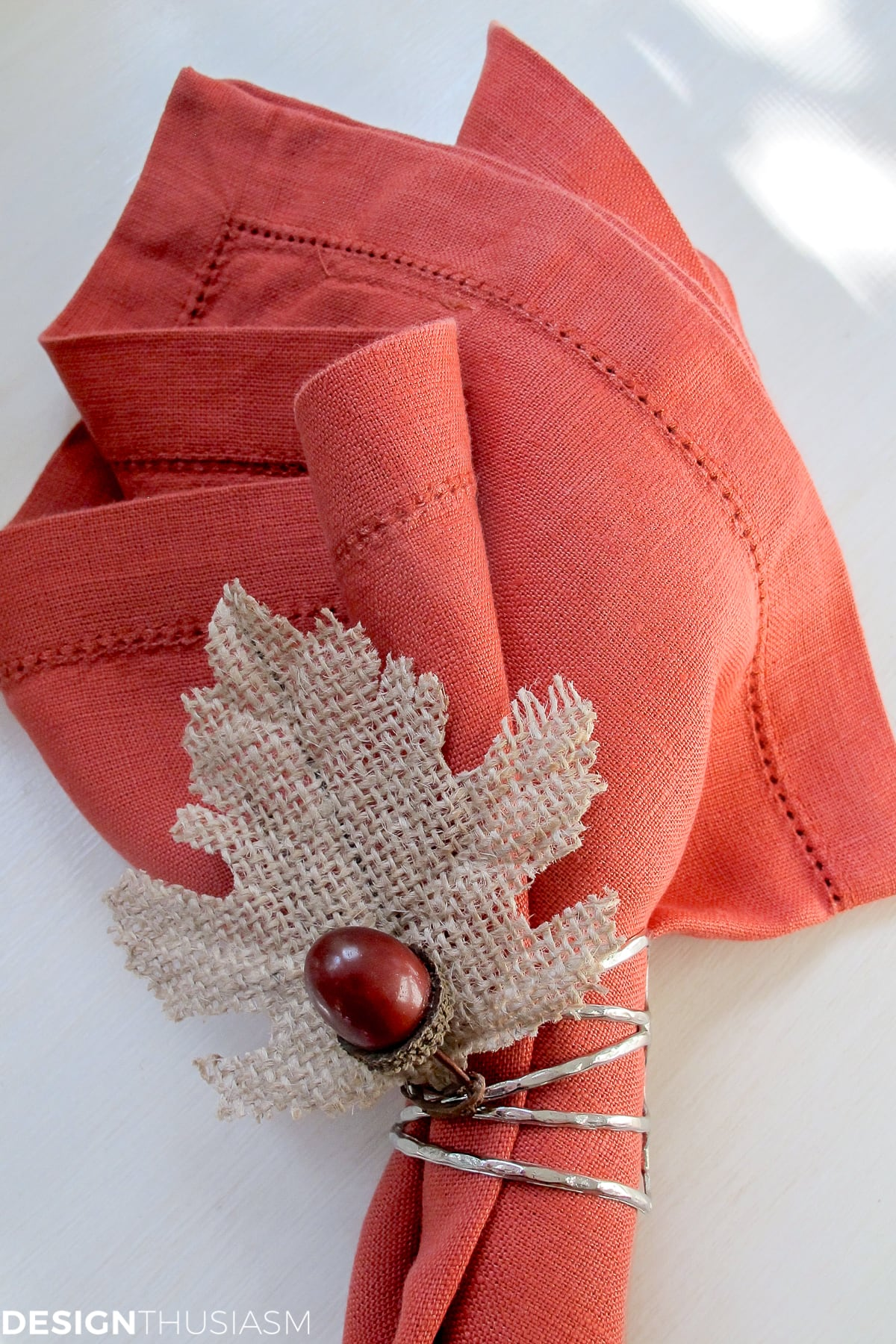 acorn and leaf DIY Thanksgiving napkin rings