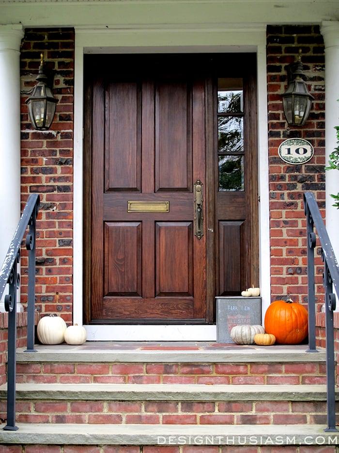 Halloween House Tour - Designthusiasm.com