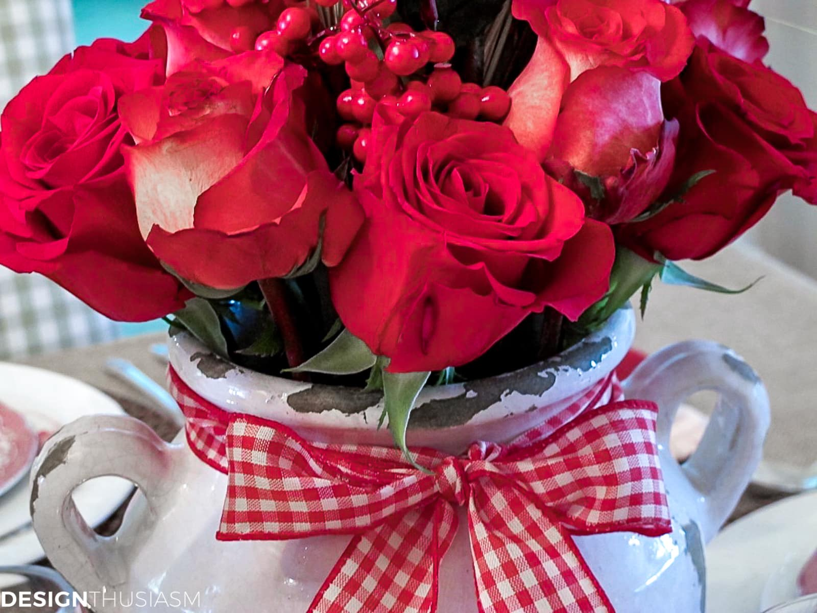 rustic table decor with red roses