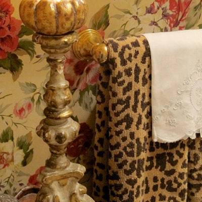 Creating a Guest-Ready Powder Room