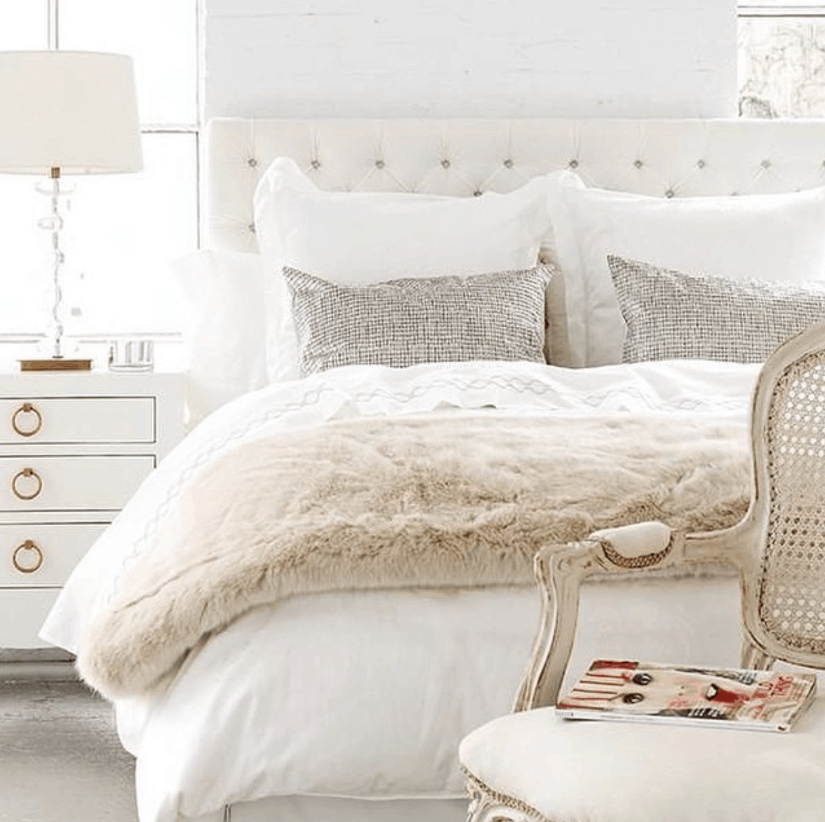 faux fur throw blanket and winter bedroom decor ideas