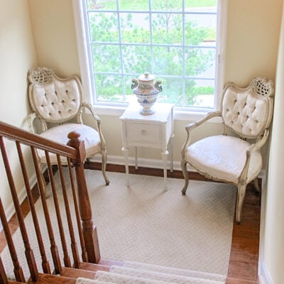 Staircase decorating ideas conversation area