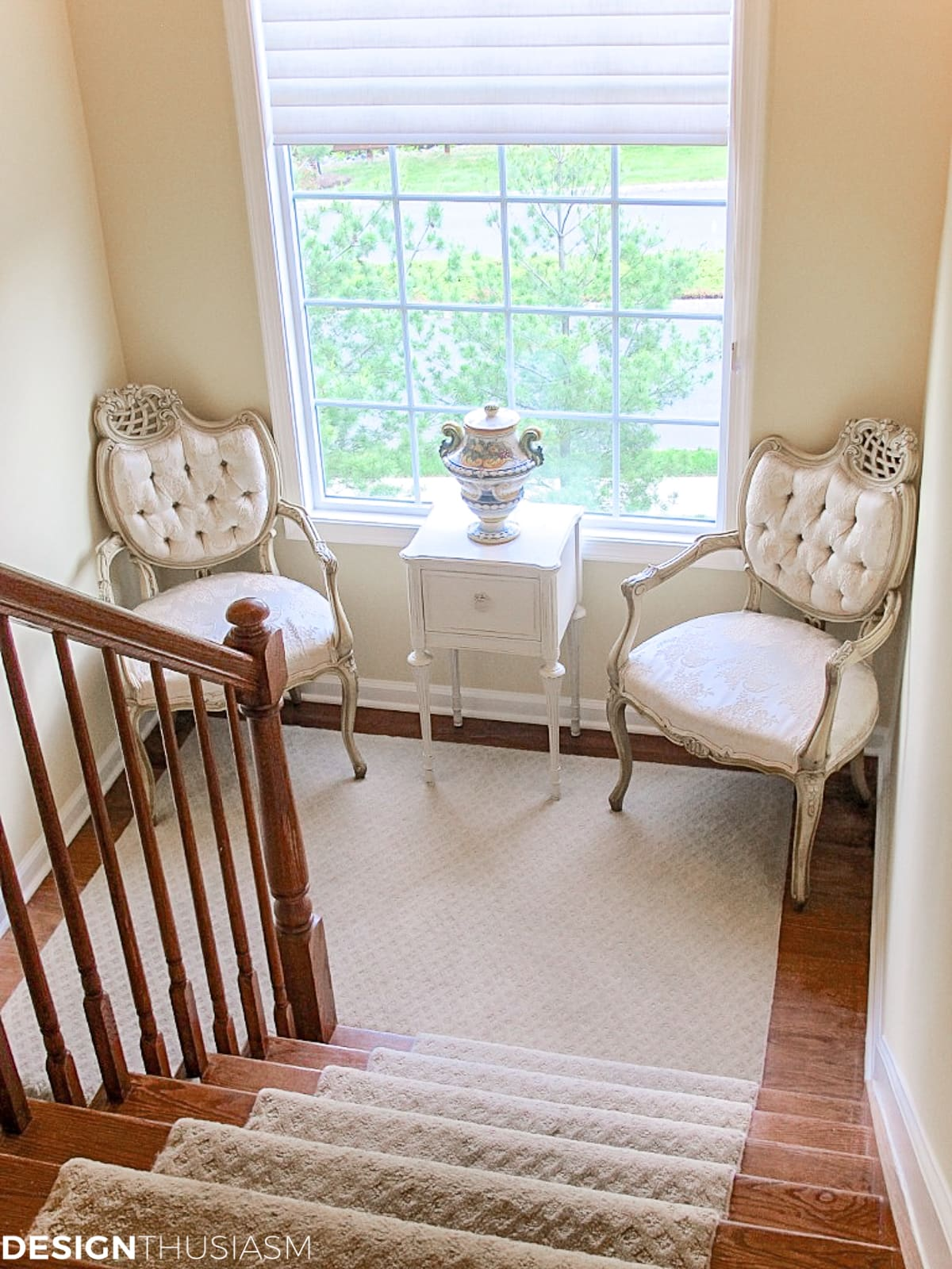 Creating A Charming Nook With These Staircase Decorating Ideas