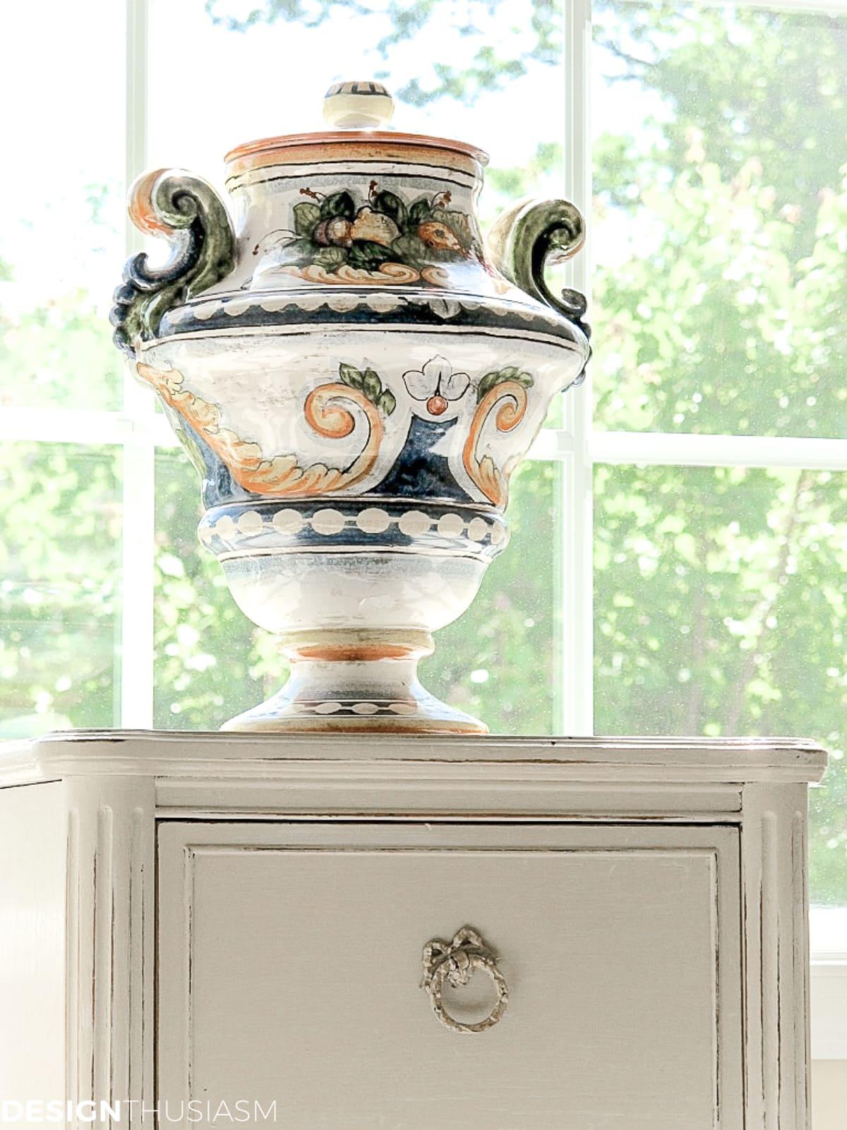 Staircase decorating ideas Amalfi vase