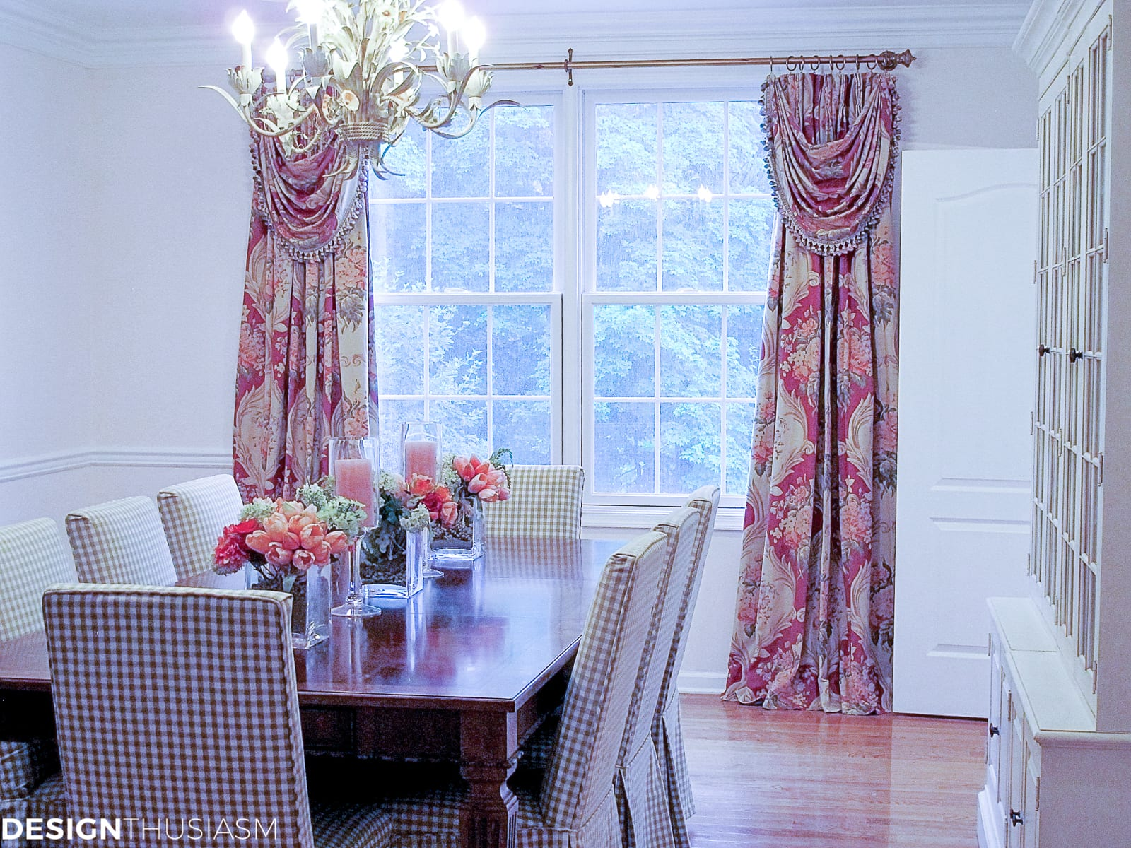 Dining room inspiration | Adding a rosy glow with blush pink - designthusiasm.com