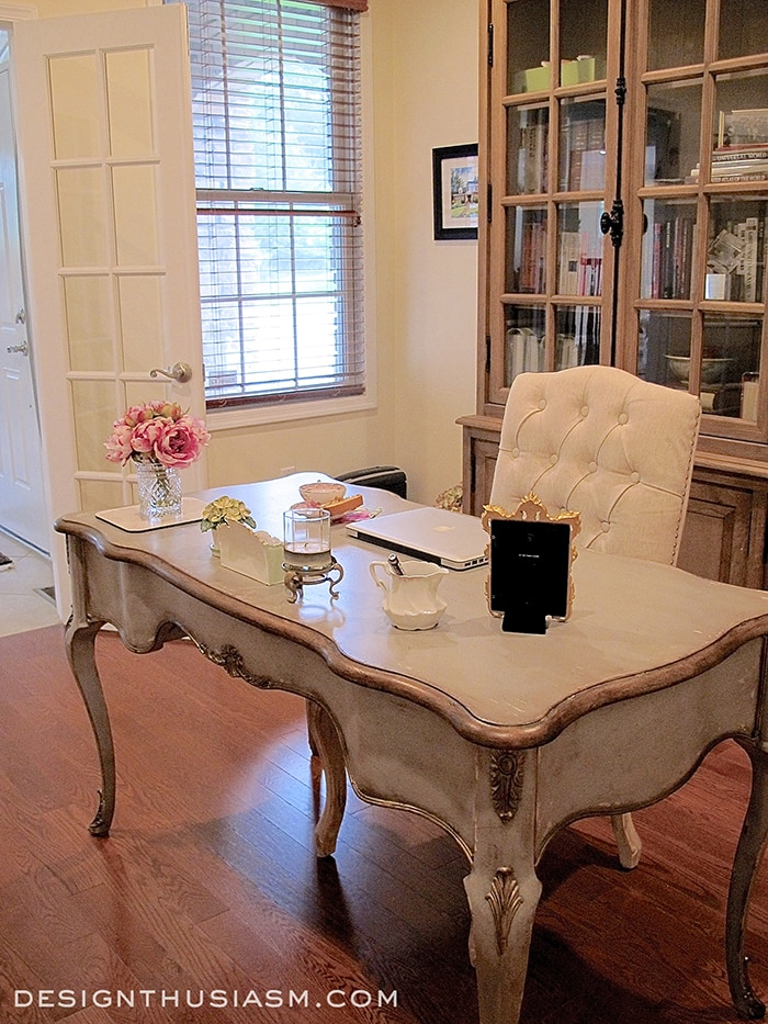 Stylish Study Room: A French Country Study