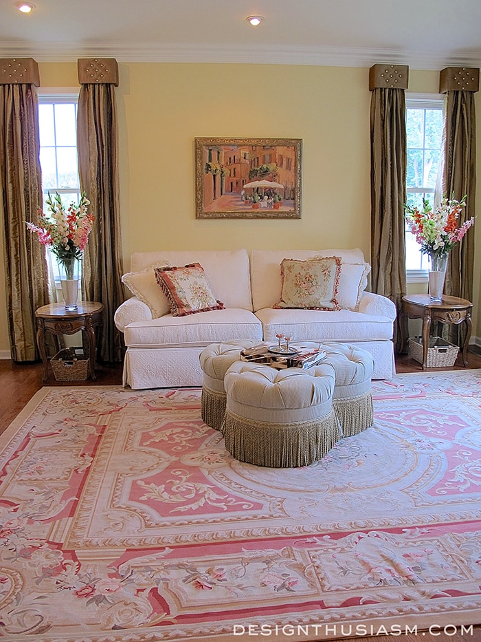 4 reasons to use your living room for French country family room