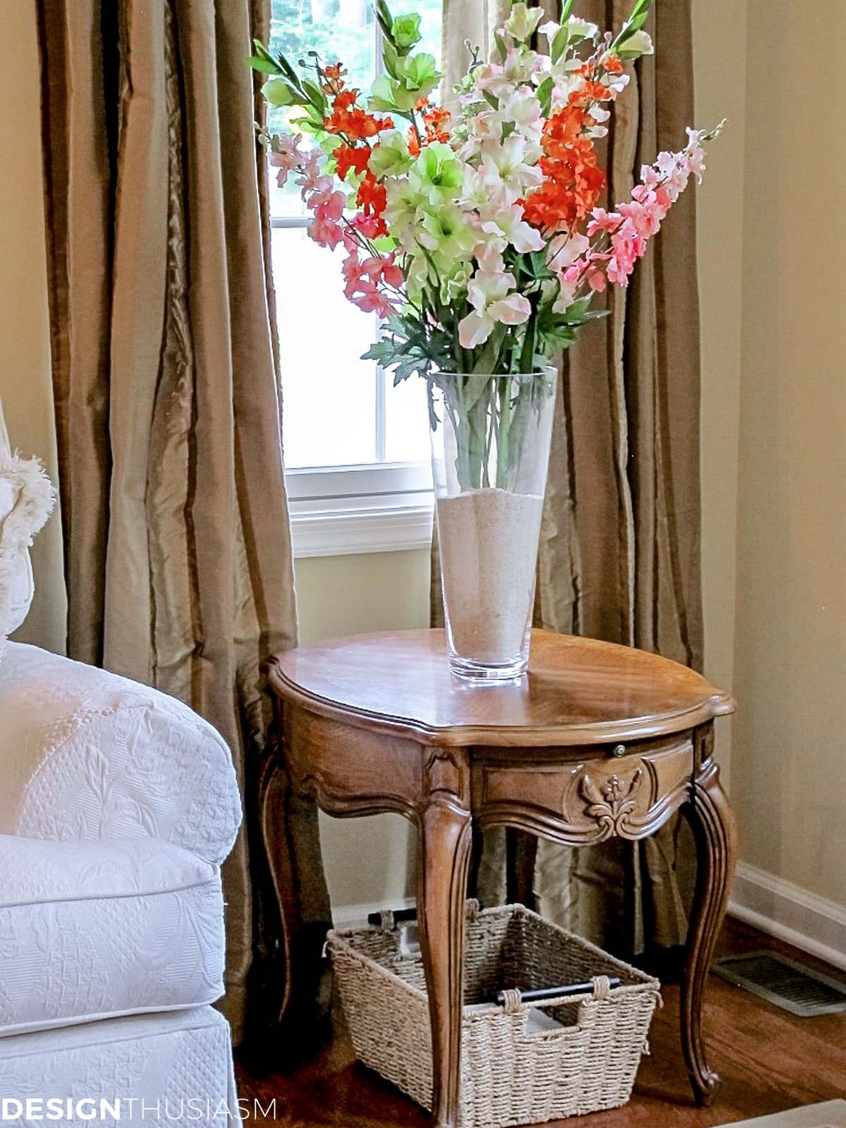 faux living room floral