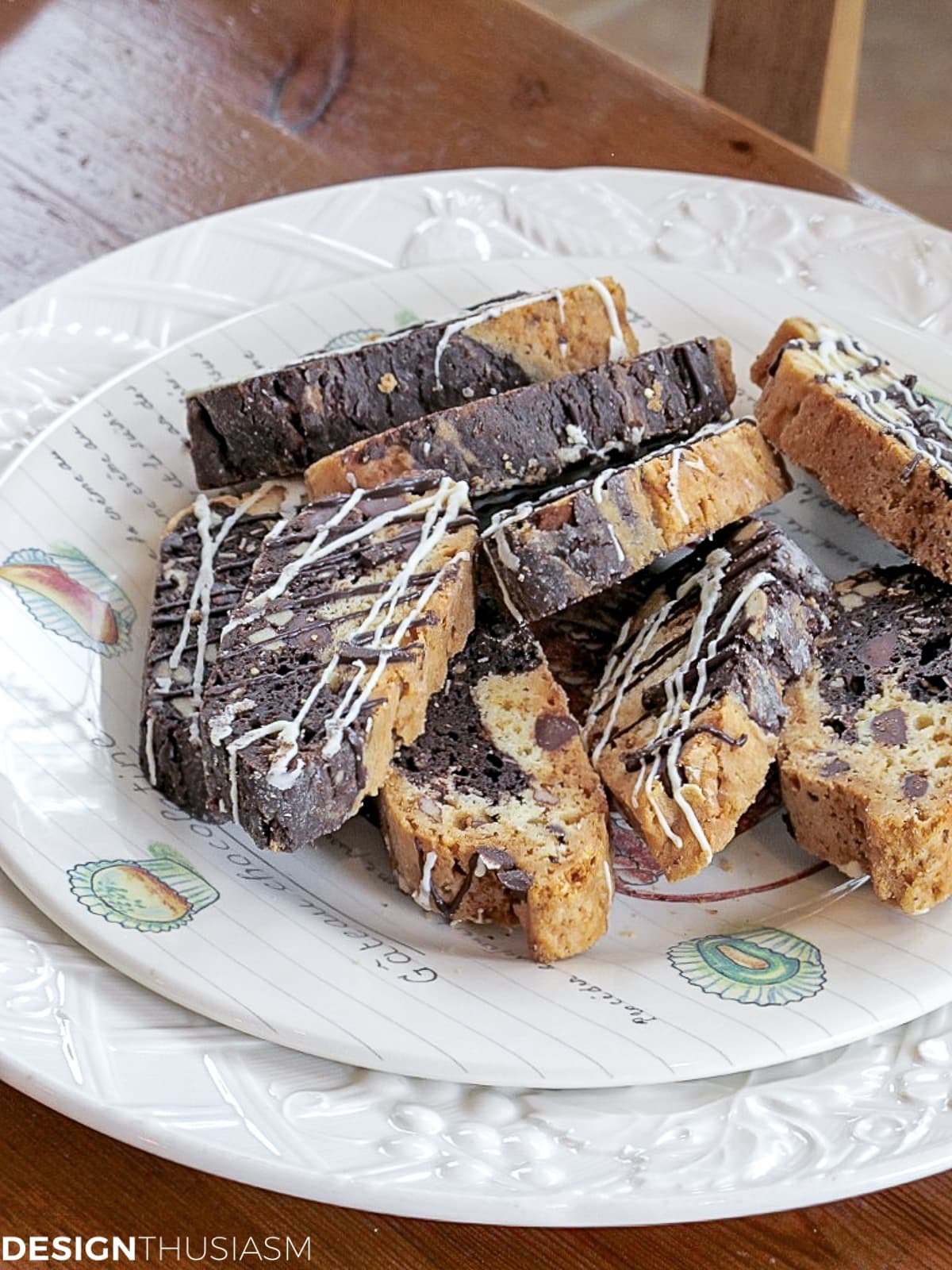 biscotti for table setting for lunch