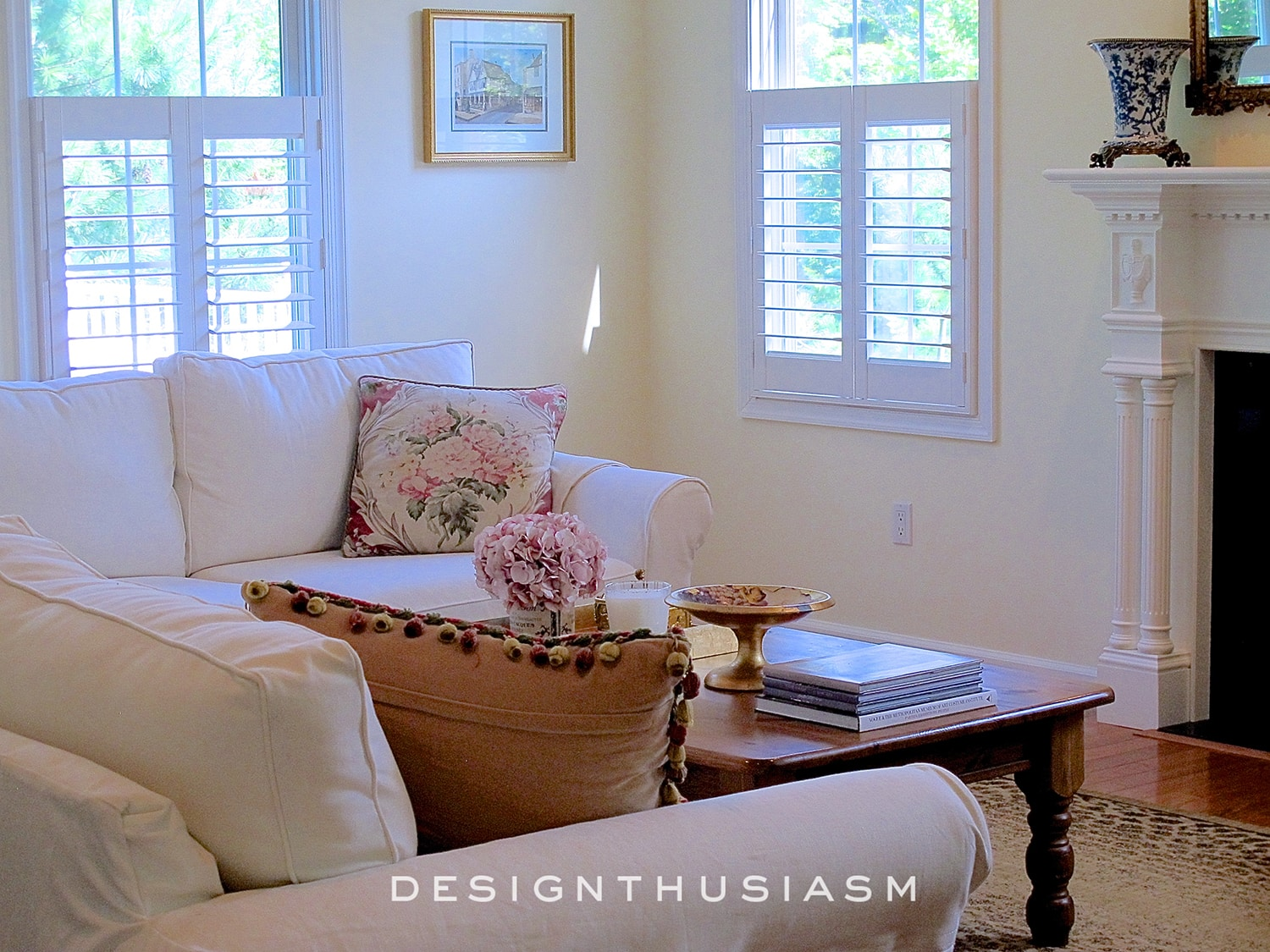 Beautiful and Comfortable Den | Designthusiasm.com