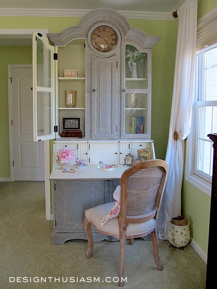 Writing Desk as a Vanity
