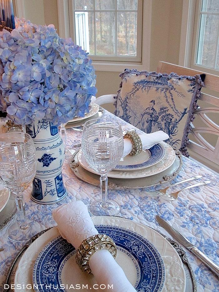 French Blue & White Holiday Table Setting - Designthusiasm.com