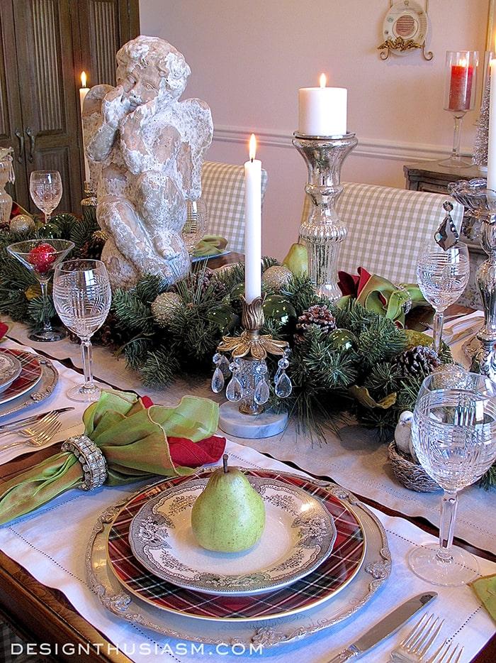 Christmas Dinner Table Setting - Designthusiasm.com
