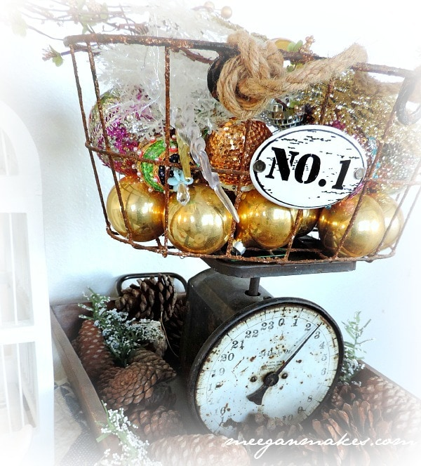 Christmas-Tour-Vintage-Scale-and-Ornament-Basket
