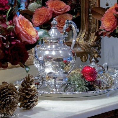 Easing Into Holiday Decorating with Christmas Flower Arrangements