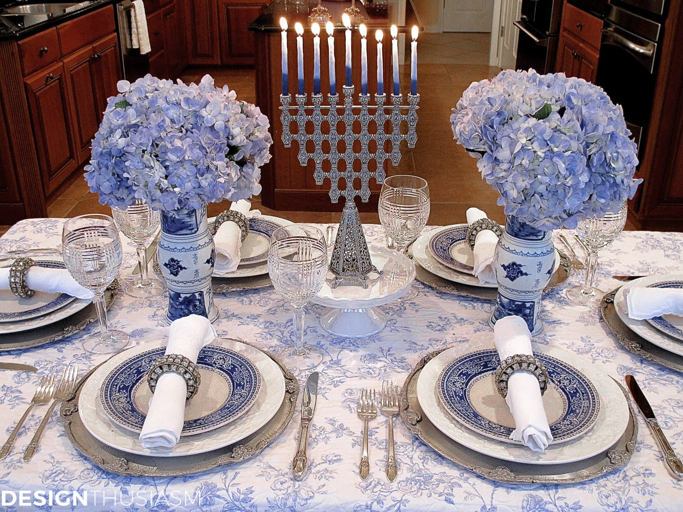 French blue and white holiday table setting with toile for Table setting design