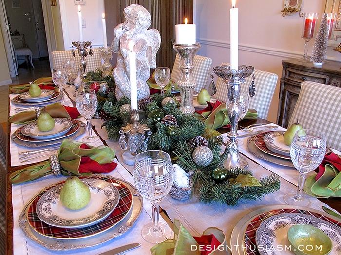 Christmas Dinner Tabletop - Designthusiasm.com