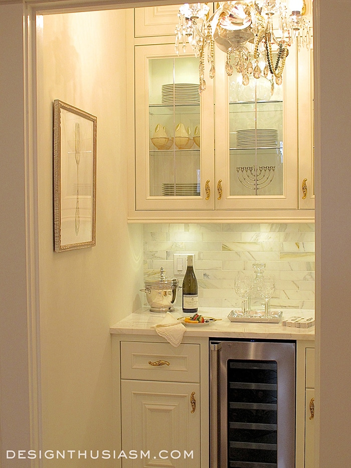 French Styled Butler's Pantry - Designthusiasm.com