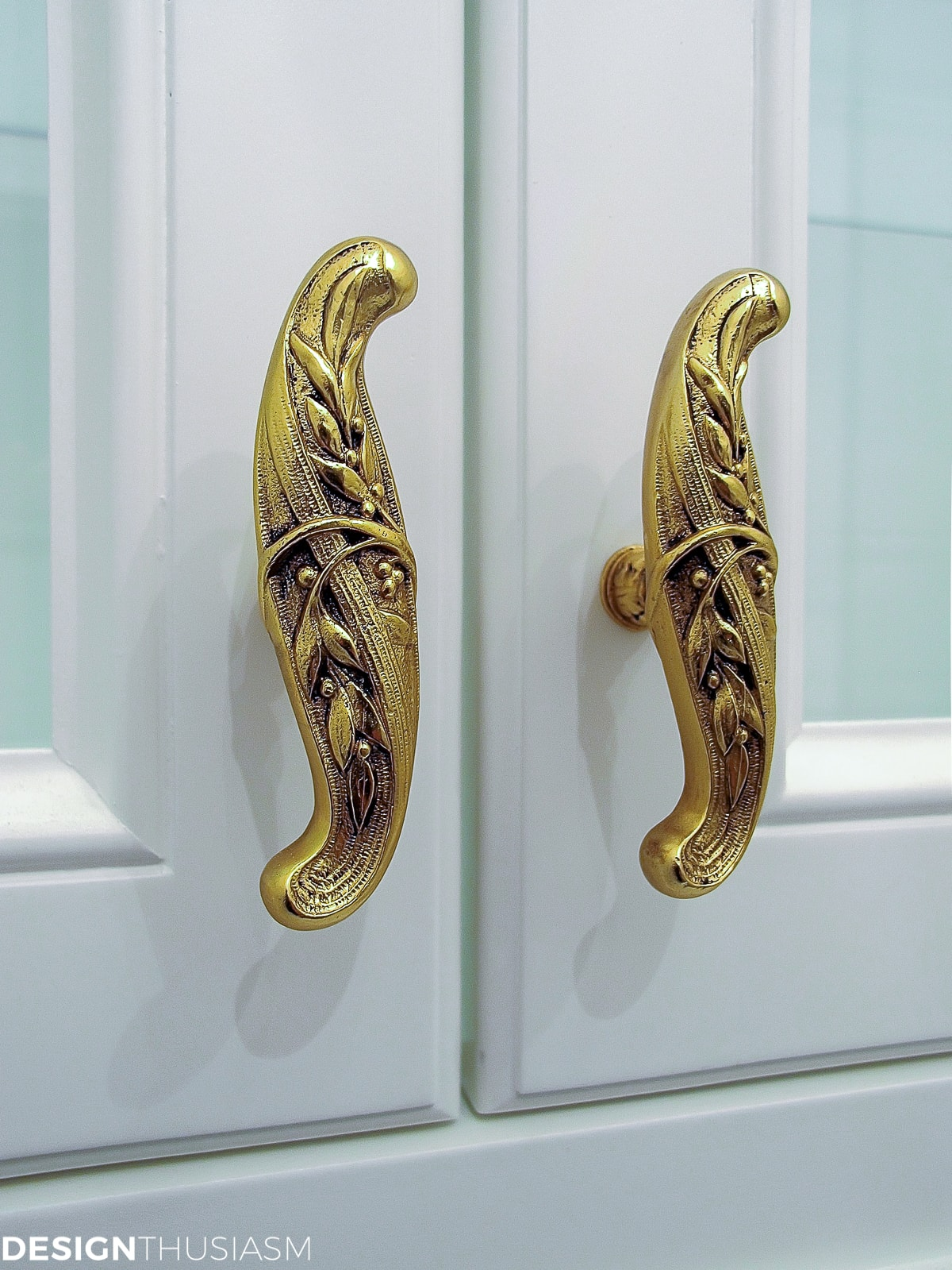 butler's pantry cabinet knobs