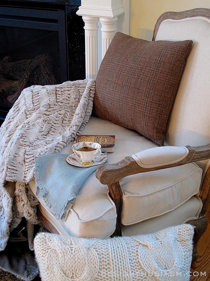 Cozy Winter Decor 700