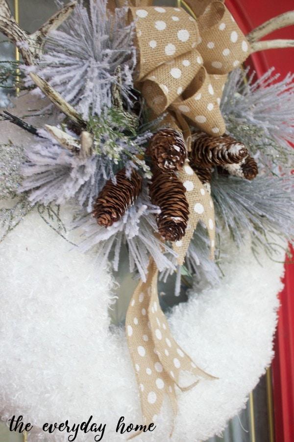 DIY-Winter-Wreath-The-Everyday-Home-www.everydayhomeblog.com_-600x900