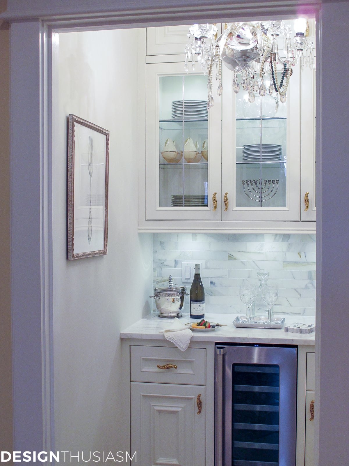 10 Gorgeous Elements to Add French Style to the Butler's Pantry - Designthusiasm.com
