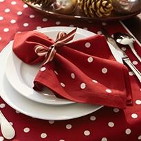 Valentine's Day Tabletop Ideas - Designthusiasm.com