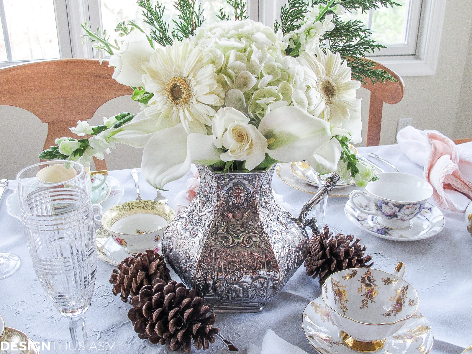 Winter Bouquet for an Afternoon Tea Party-Designthusiasm.com