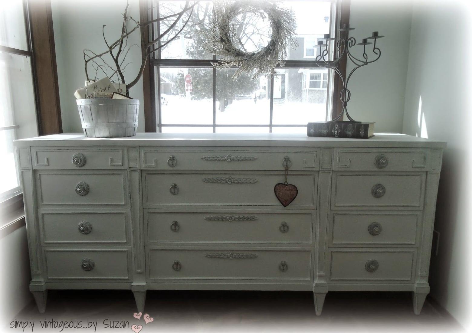 Painted Dresser - Link Party Feature - Designthusiasm.com