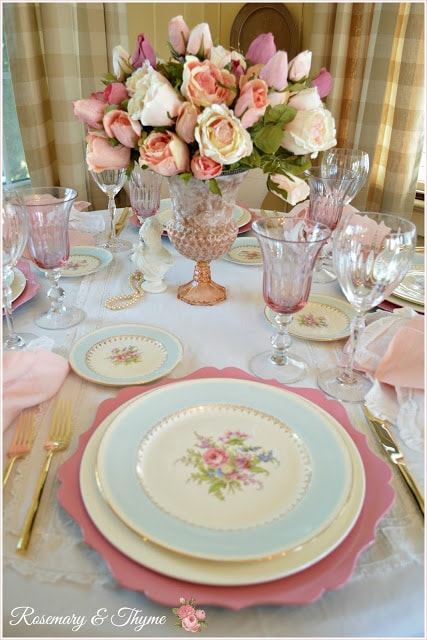 Feminine Table Celebrating Friendship