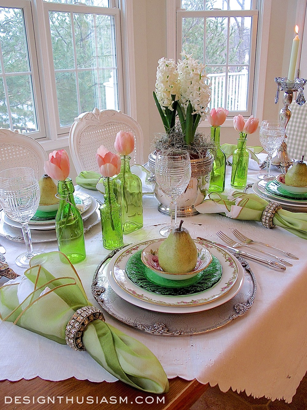 An elegant st patrick 39 s day tablescape for Tablescape decor