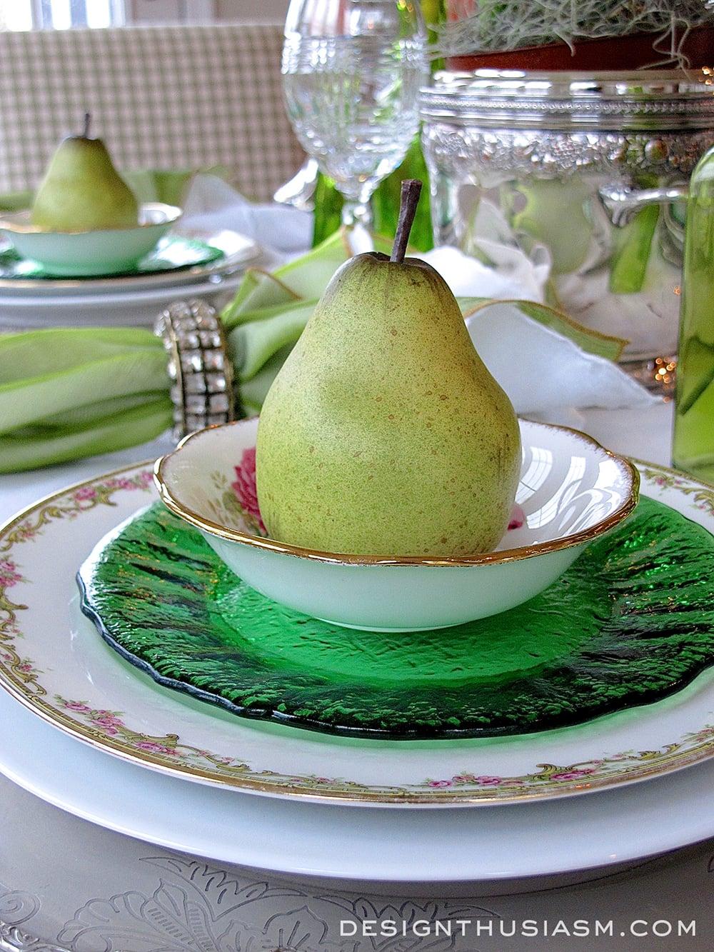 An Elegant St. Patrick's Day Tablescape - Designthusiasm.com