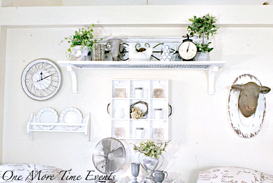 Tammy Farmhouse-Wall-updated-with-heiffer-and-Clock