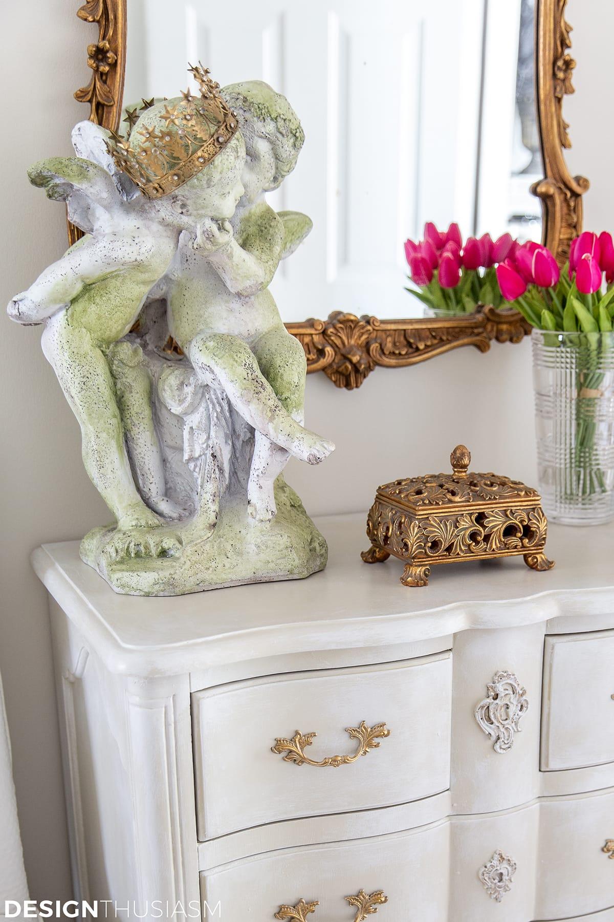 garden decor statue