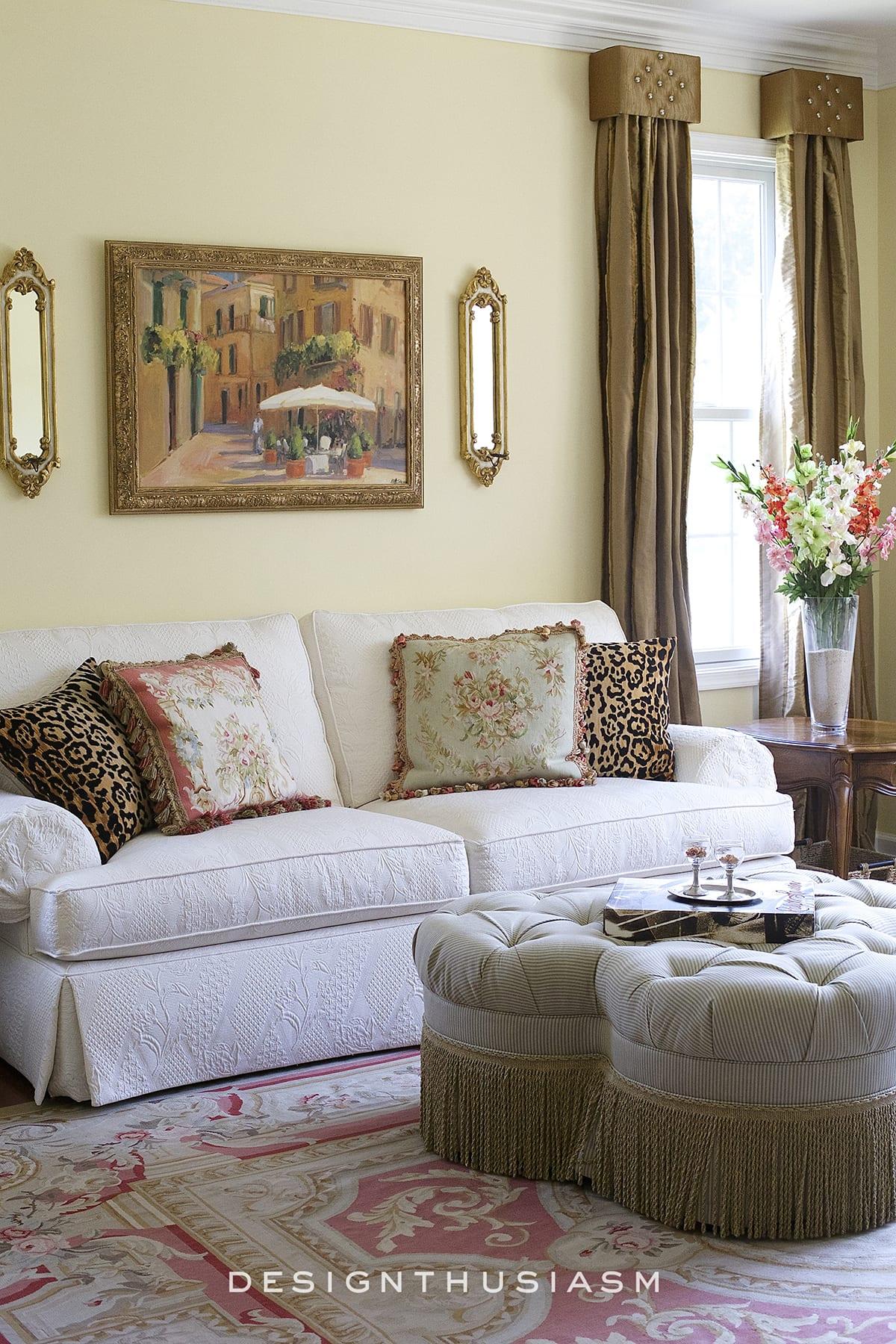 Townhouse Tour Main Floor   Living Room   Designthusiasm.com