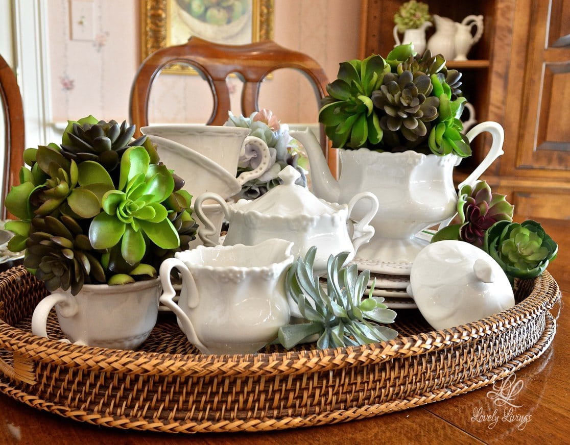 Lory feature 2 - tea-and-topiaries