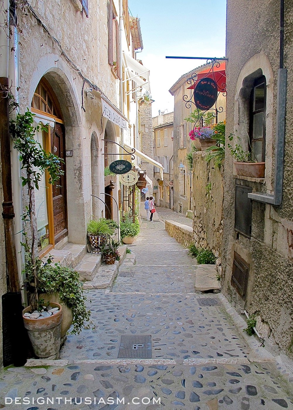 Saint-Paul-de-Vence - The Prettiest Hilltop Village in France - Designthusiasm.com