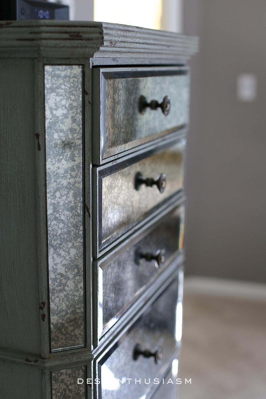 Lilac and Grey Bedroom | Designthusiasm.com