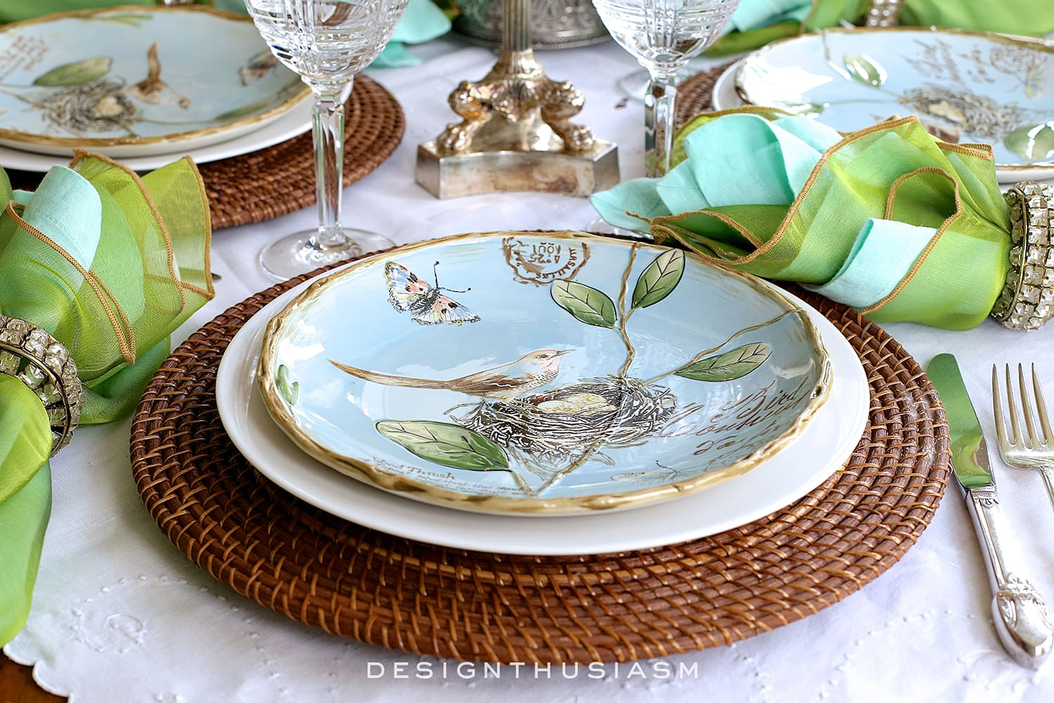 Re-using Patterned Plates with a Completely New Look | Designthusiasm.com