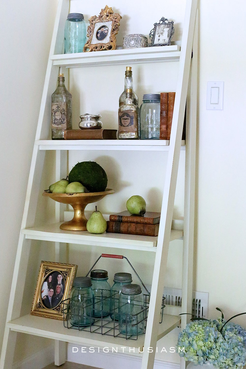 Styling a Ladder Bookshelf | Designthusiasm.com