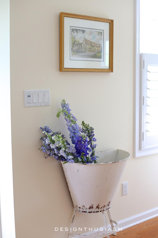 Metal Bin   A Fresh Way to Display Flowers   Designthusiasm.com