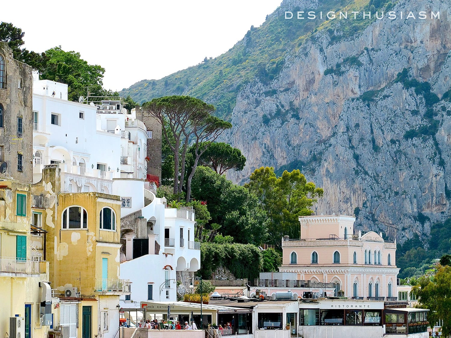 Summer Color on Capri | Designthusiasm.com