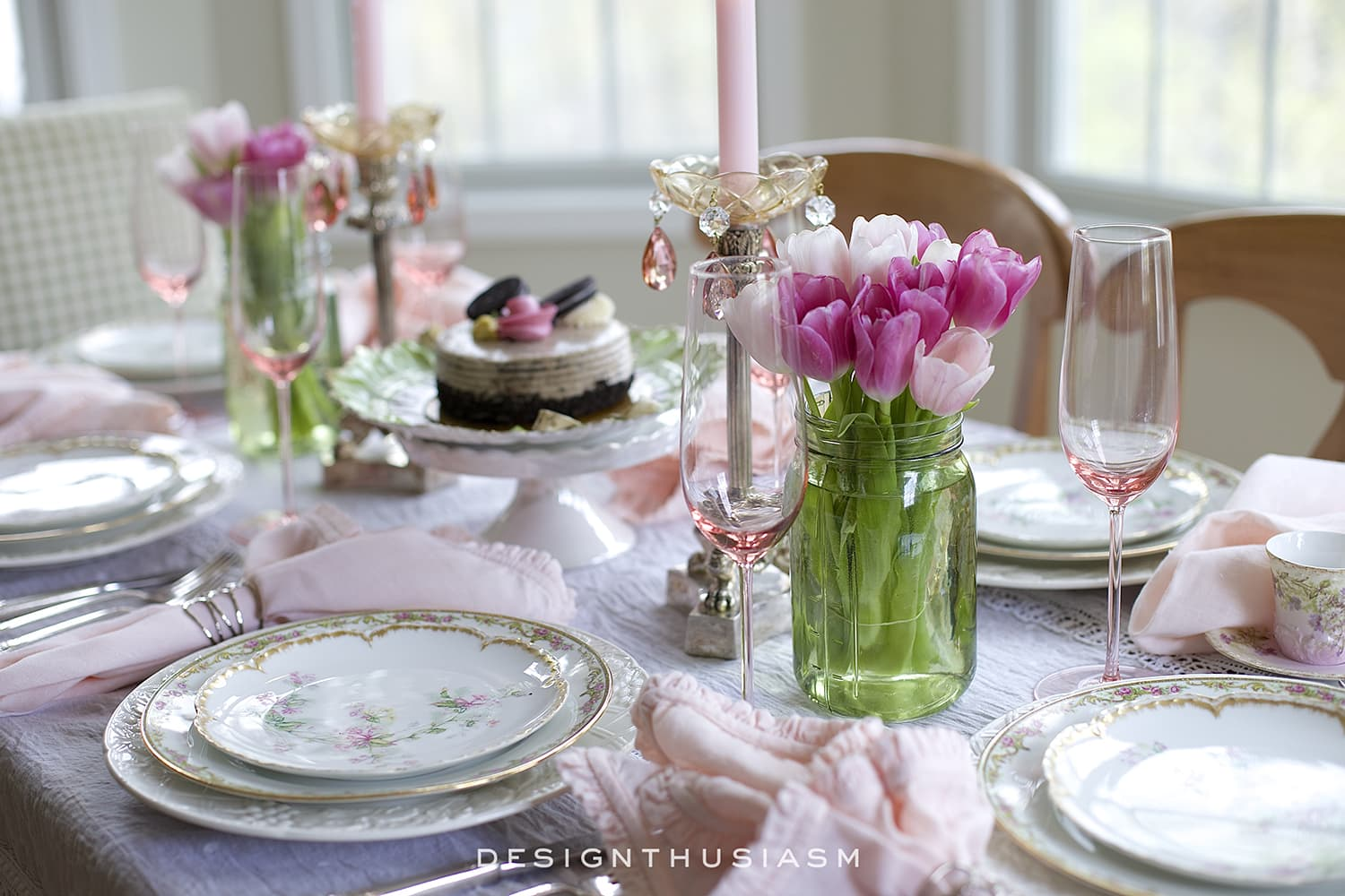 Mixing Old + New in a Spring Tablescape | Designthusiasm.com