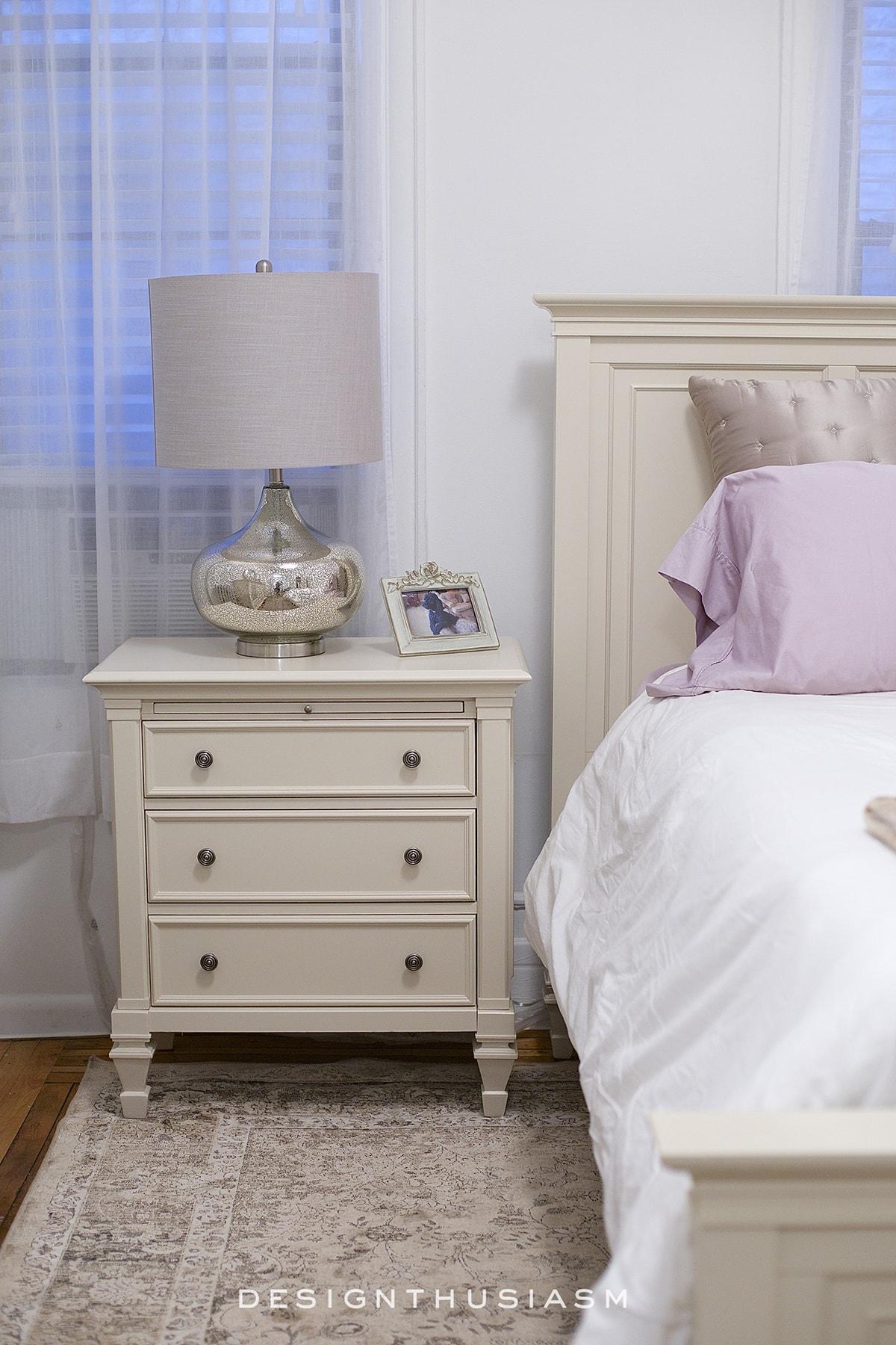 Small Apartment Bedroom   Designthusiasm.com