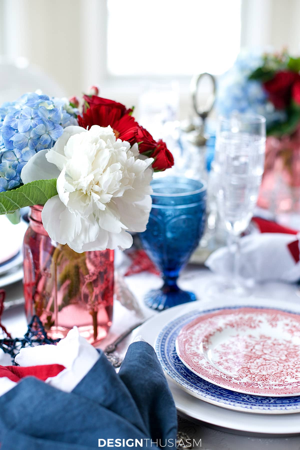 july 4th brunch tablescape